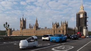 Londra'da konvoyu elektrikli araçlar oluşturdu