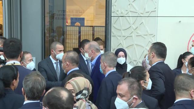 Cumhurbaşkanı Erdoğan, Yeni Türkevi Binasında incelemelerde bulundu