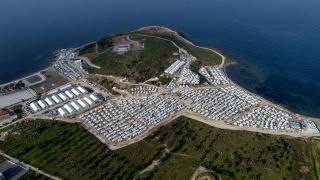 Tepki gösterilen sığınmacı kampı Sisam Adası'nda açıldı