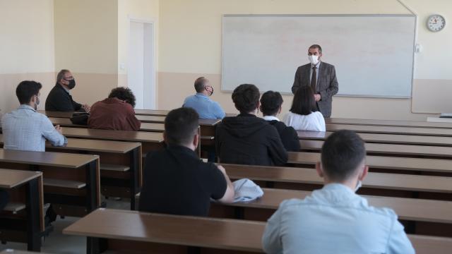 Sivas Cumhuriyet Üniversitesinde yüz yüze eğitime yeniden başlandı