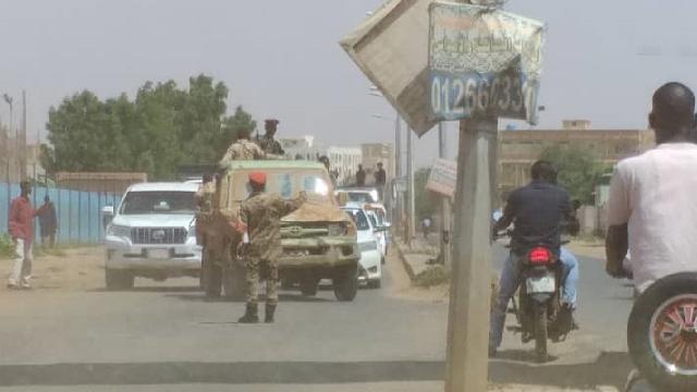 Sudanda darbeciler gözaltına alındı