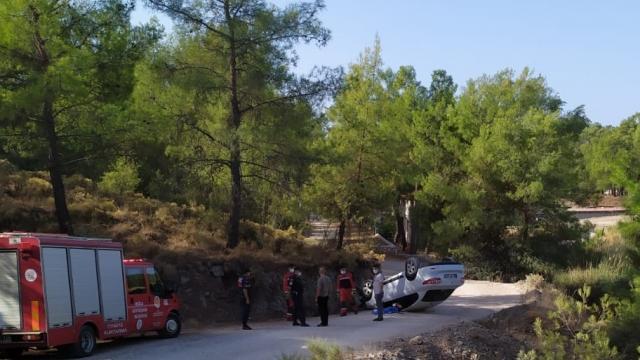 Muğlada devrilen otomobilin sürücüsü hayatını kaybetti