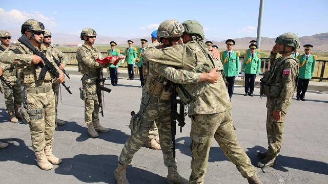 Türkiye ve Azerbaycandan Nahçıvanda ortak askeri tatbikat