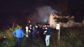 Sakarya'da ev yangını: Baba ve üç çocuğu yaşamını yitirdi
