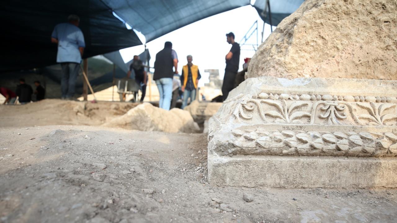 Efes, Aspendos gibi bir tiyatro