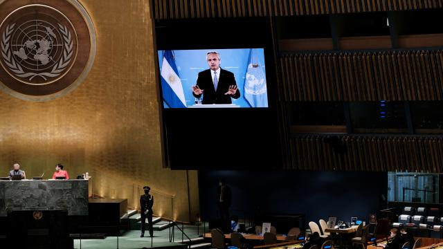 Arjantin Devlet Başkanı Fernandez: Koronavirüs aşıları küresel kamu malı olmalı