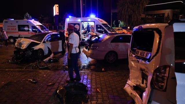 Ankarada zincirleme kaza: 2 yaralı