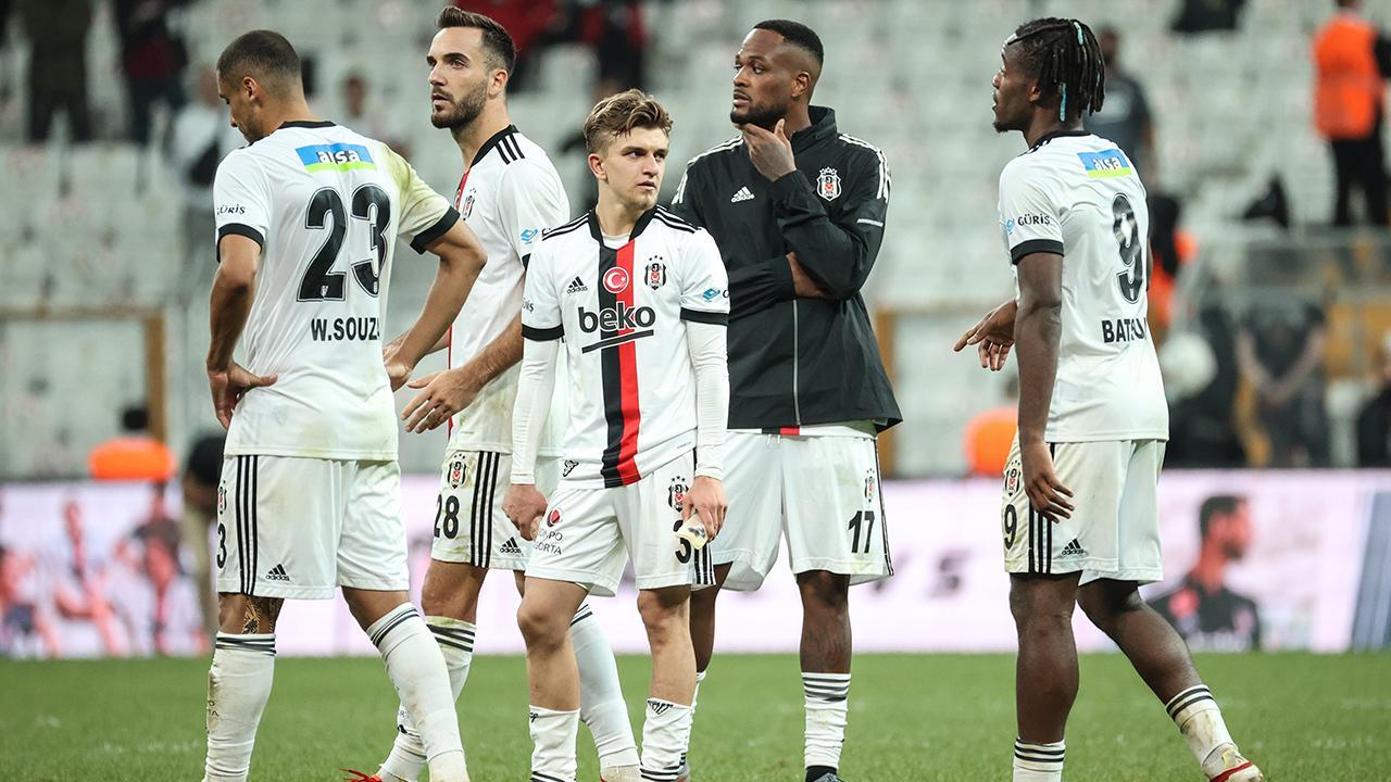 Beşiktaş liderliğini averajla sürdürdü