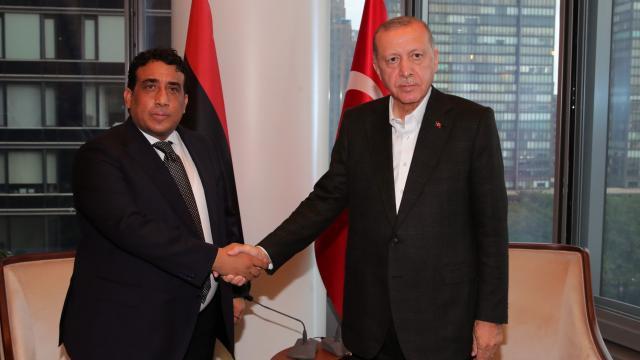Cumhurbaşkanı Erdoğan Libya Başkanlık Konseyi Başkanı el-Menfi ile görüştü