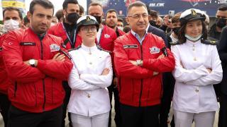 Cumhurbaşkanı Yardımcısı Oktay, TEKNOFEST'i ziyaret etti