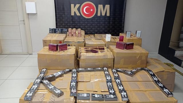 Antalyada binlerce şişe kaçak parfüm ele geçirildi