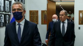 Lavrov'dan gazetecilere esprili NATO açıklaması