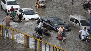 Pakistan'da aşırı yağış: Elektrik kesintileri yaşandı