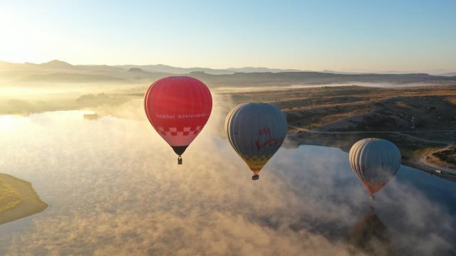 Afyonkarahisarda binden fazla turist sıcak hava balonu deneyimi yaşadı