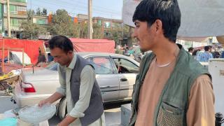 ABD'ye çalışan Afganlar tahliye için bekliyor