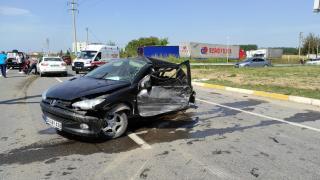 Sakarya'da iki otomobilin çarpışması sonucu 1 kişi öldü, 3 kişi yaralandı