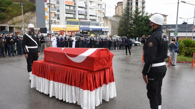 Bartında trafik kazasında ölen komiser yardımcısının cenazesi memleketine uğurlandı