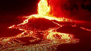 Cumbre Vieja'dan akan lavlar dronla görüntülendi