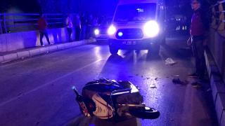 Otomobilin çarptığı elektrikli bisikletteki baba yaralandı, oğlu öldü