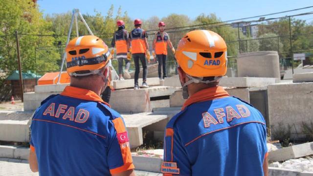 AFADın gönüllüleri afetlerde can kurtaracak