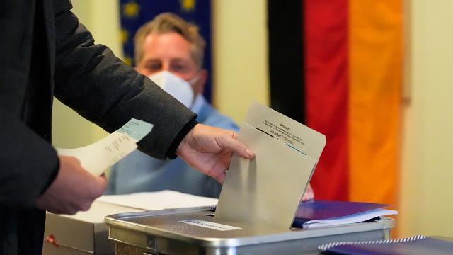Almanyada kritik seçim