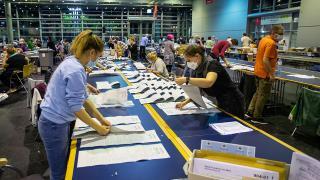 Almanya sandığa gitti: SPD seçimi önde götürüyor