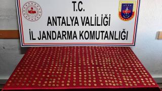 Antalya'da 556 sikke ele geçirildi