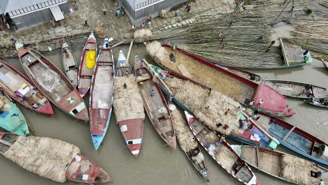 Bangladeşte yüzlerce nehir kirlilik nedeniyle tehdit altında
