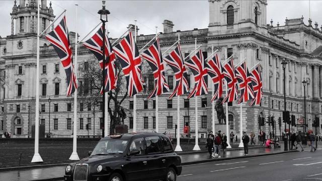 İngiltereden tır ve kamyon şoförü açığına çözüm: 5 bin kişiye geçici vize verilecek