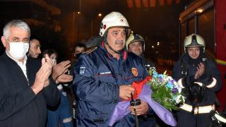 Ateşin kahramanlarına sürpriz kutlama