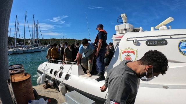 İzmirde 114 düzensiz göçmen yakalandı