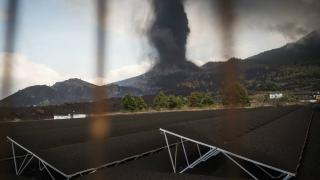 Kanarya Adaları'ndaki yanardağda patlamalar sürüyor