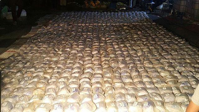 Guatemalada köpek balığına benzer tekneden 515 kilo uyuşturucu çıktı