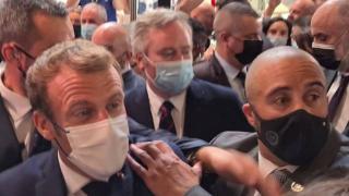 Macron'a bir kez daha yumurtalı saldırı
