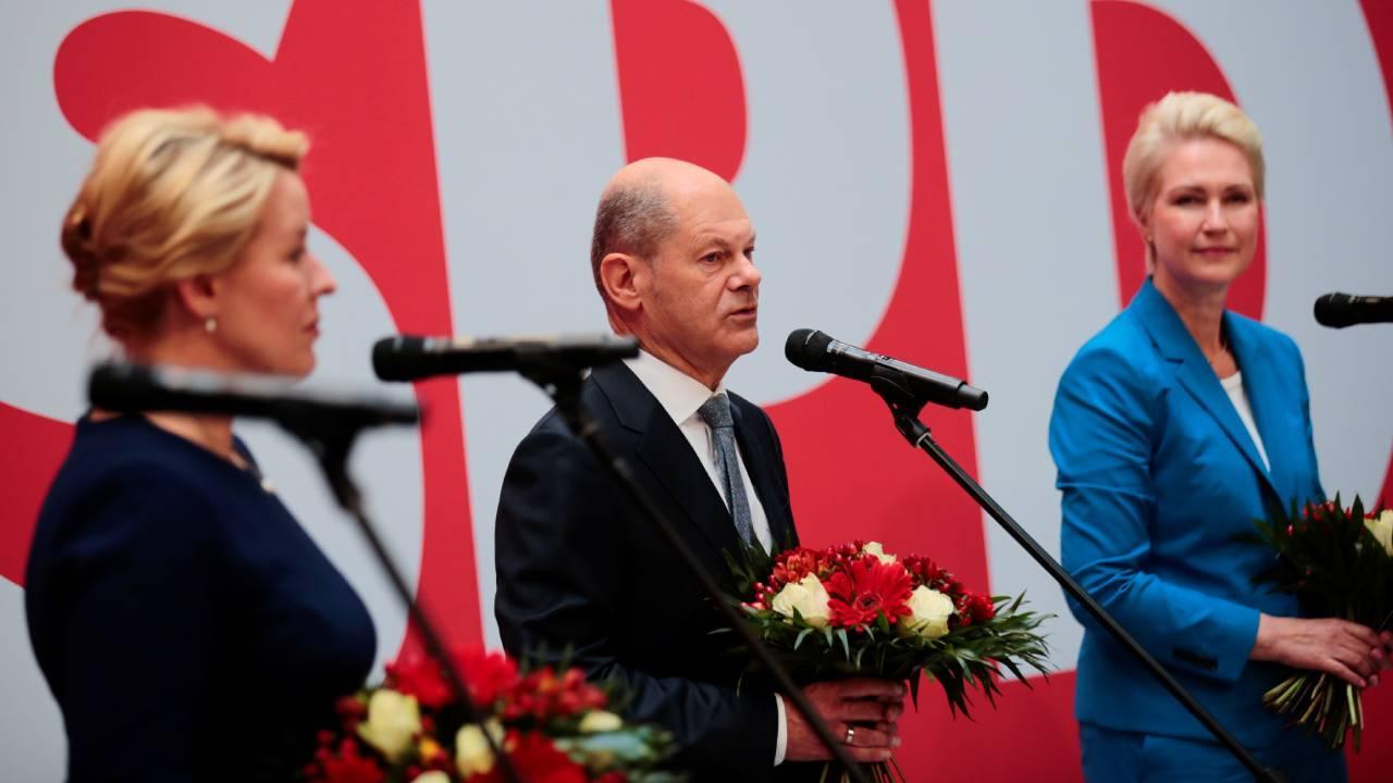 Almanya'da koalisyon çalışmaları için ilk mesaj