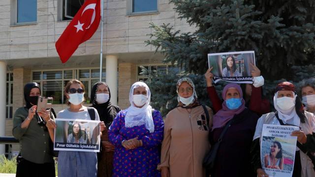 Pınar Gültekin davası: Katil zanlısının yakınları hakim karşısında