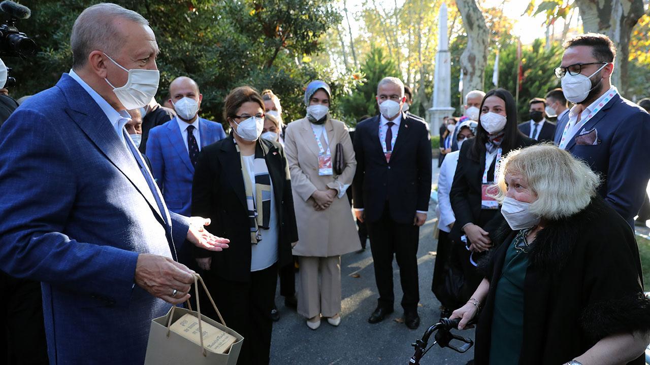Cumhurbaşkanı Erdoğan Darülaceze sakinlerini ziyaret etti