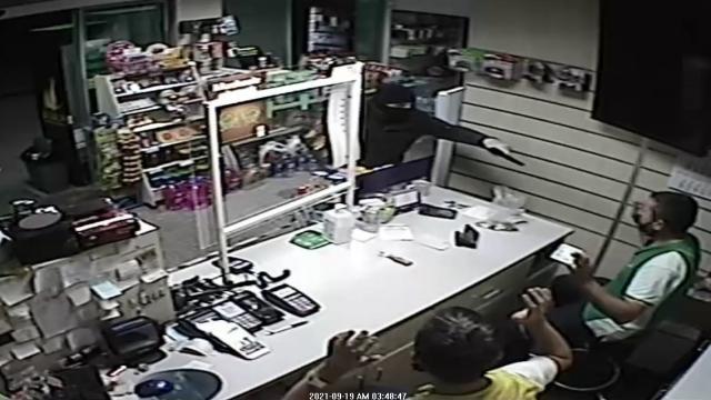 Akaryakıt istasyonunda silahlı soygun: 1 gözaltı