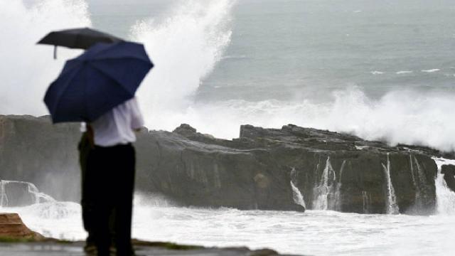 Mindulle tayfunu Japonyaya doğru ilerliyor