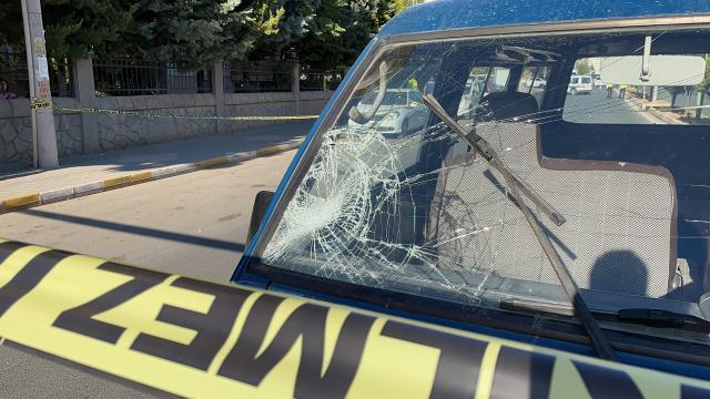 Aydında devrilen tırın sürücüsü yaralandı