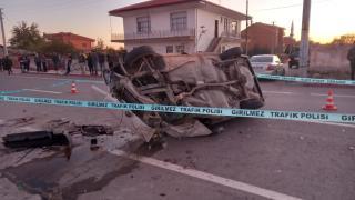 Aksaray'da hafif ticari araçla otomobil çarpıştı, 1 kişi öldü