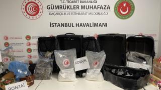 İstanbul Havalimanı'ndaki uyuşturucu operasyonlarında yakalanan 7 şüpheli tutuklandı