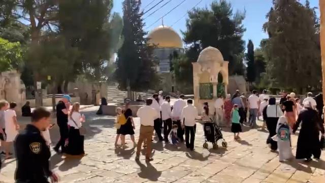 Fanatik Yahudiler Sukot Bayramı nedeniyle Mescid-i Aksaya baskın düzenledi