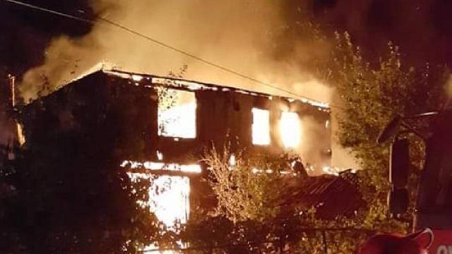 Karabükte çıkan yangında bir ev kullanılamaz hale geldi