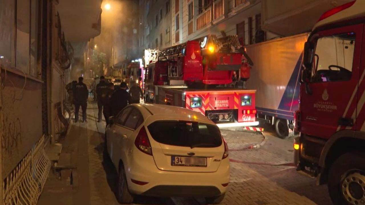 Sultangazi'de yangın: 11 kişi dumandan etkilendi