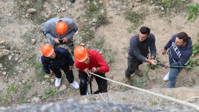 Çevik kuvvet ekiplerine arama kurtarma ve dağcılık eğitimi verildi