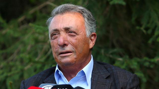 Beşiktaş Başkanı Çebi siyah-beyazlı taraftarlardan destek istedi