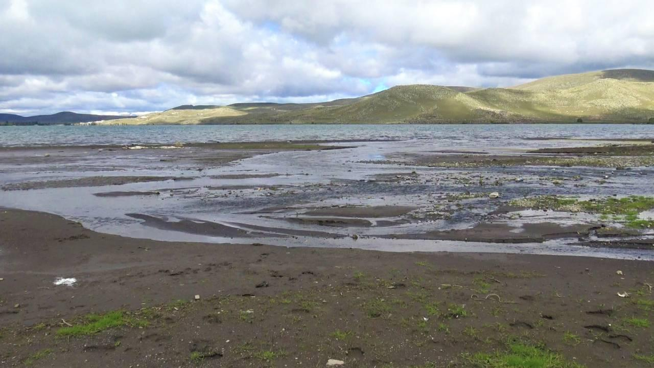 Çıldır Gölü'nde de sular çekildi
