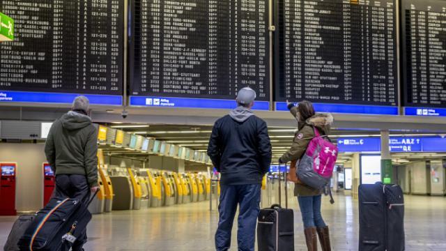 Alman havalimanları zarar etti