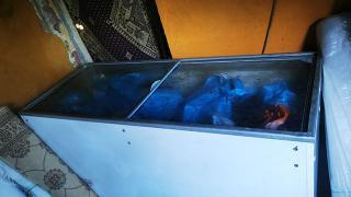 Halı yıkamacıda kıyma çekerken yakalandılar: İş yeri mühürlendi